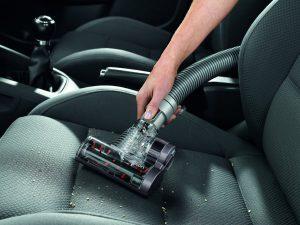 mini brosse motorisée pratique pour nettoyer votre véhicule