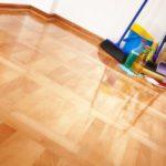 Comment nettoyer un parquet en bois : meilleur moyen de nettoyer un plancher